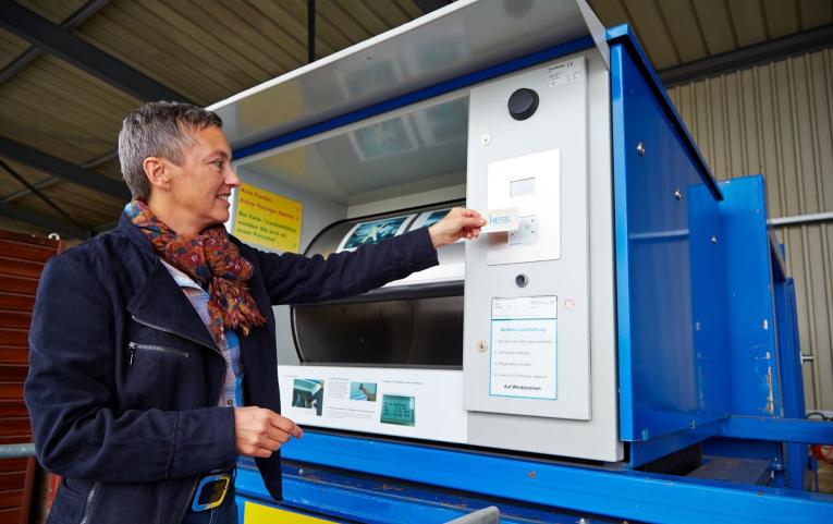 Die Entsorgungsstationen: Herzstück der automatisierten Recyclinganlage